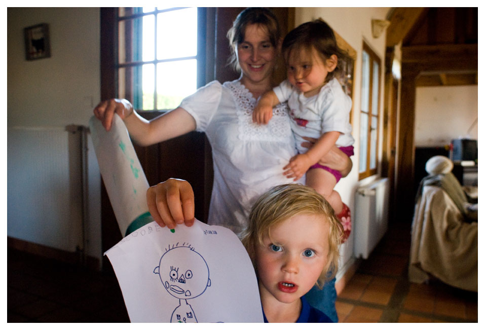 Pour Version - Femina - Juin 2009. Elise podologue et le monde du silence.